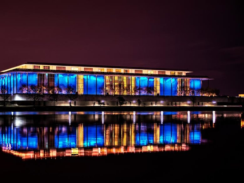 kennedy-center-at-night-water-reflection-credit-tom-finzel_flickr-user-tfinzel.jpg