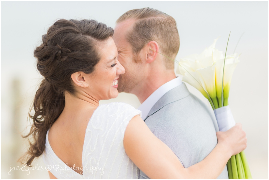 jacnjules photograph the bride and groom on the beach in LBI