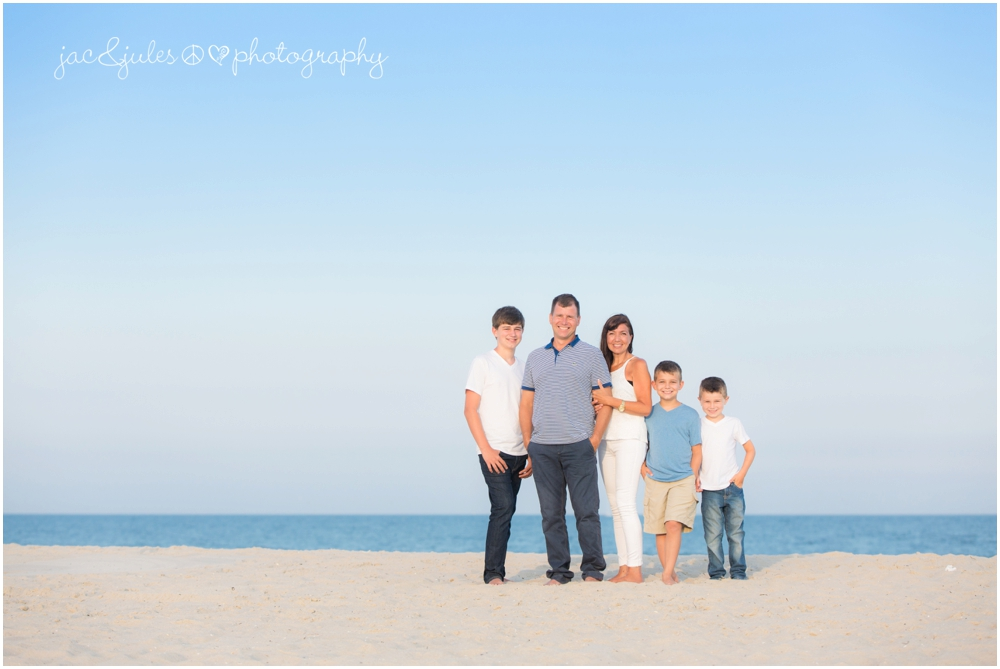 jacnjules photographs a fun family on the beach in LBI (Long Beach Island)