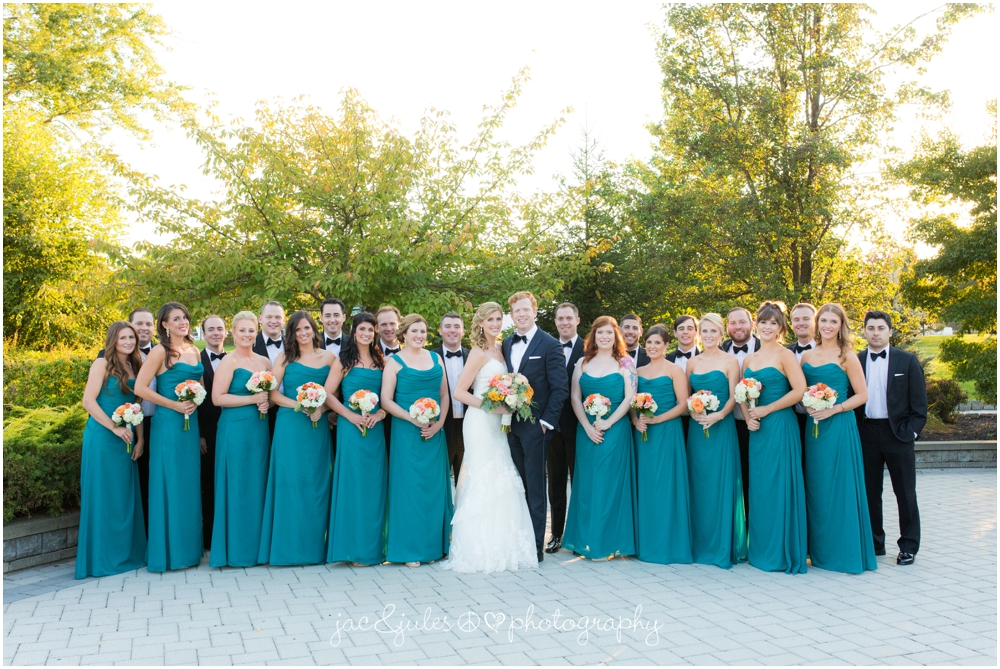 jacnjules photographs the bridal party at windows on the water at frogbridge