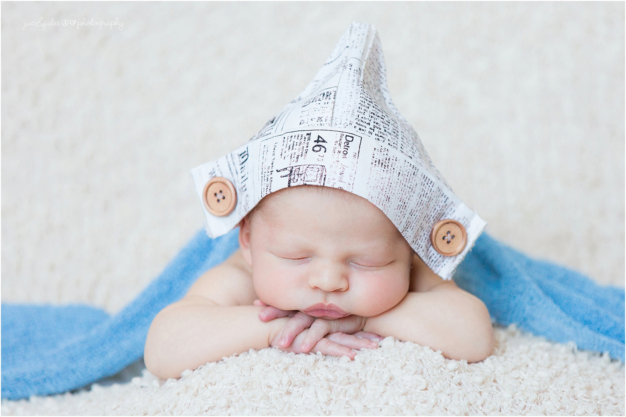 jacnjules photographs newborn and his family in their home in manalapan, nj
