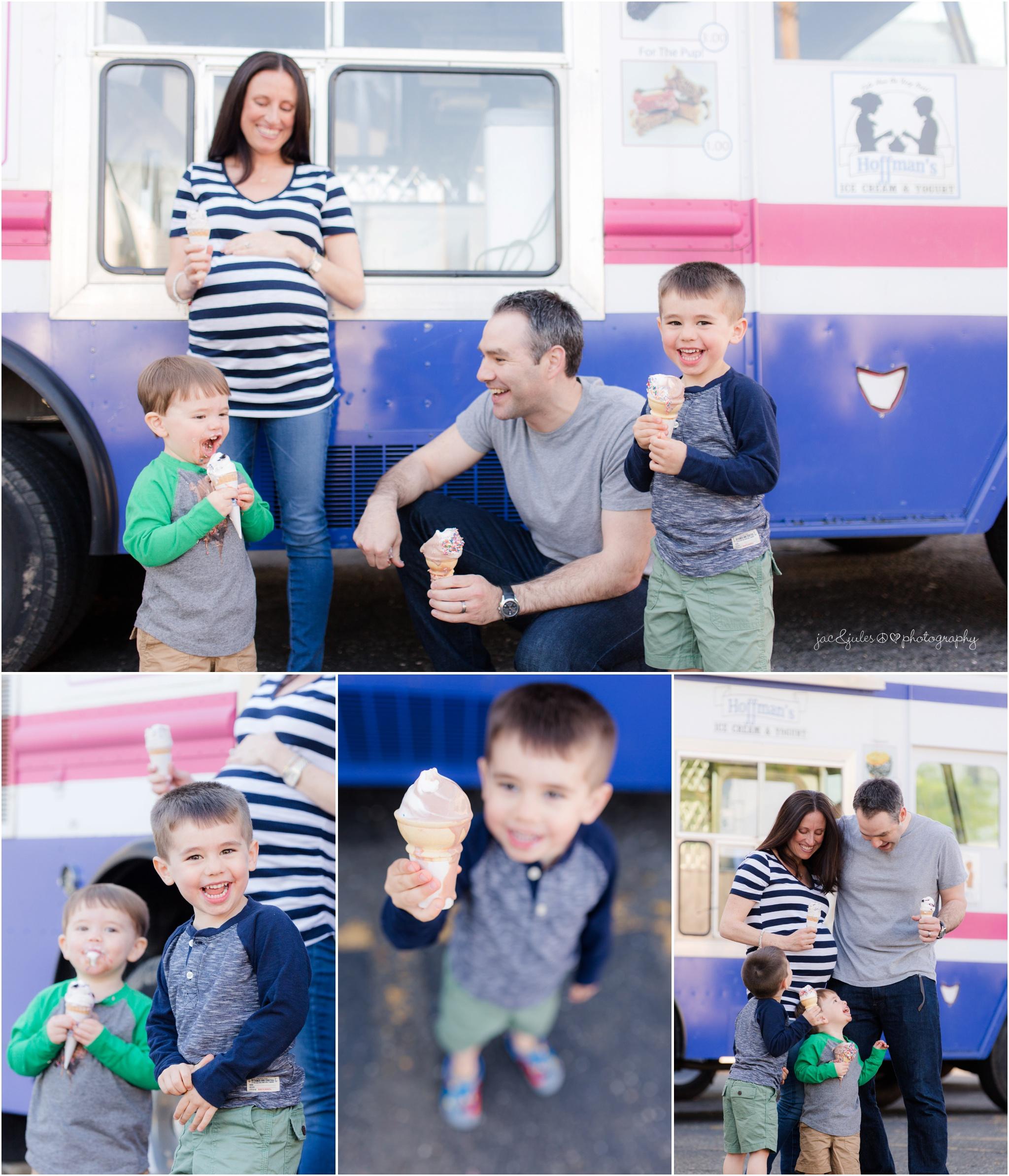 family maternity photos with ice cream