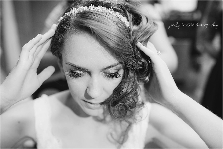 jacnjules photographs bride getting ready at the olde mill inn in basking ridge nj
