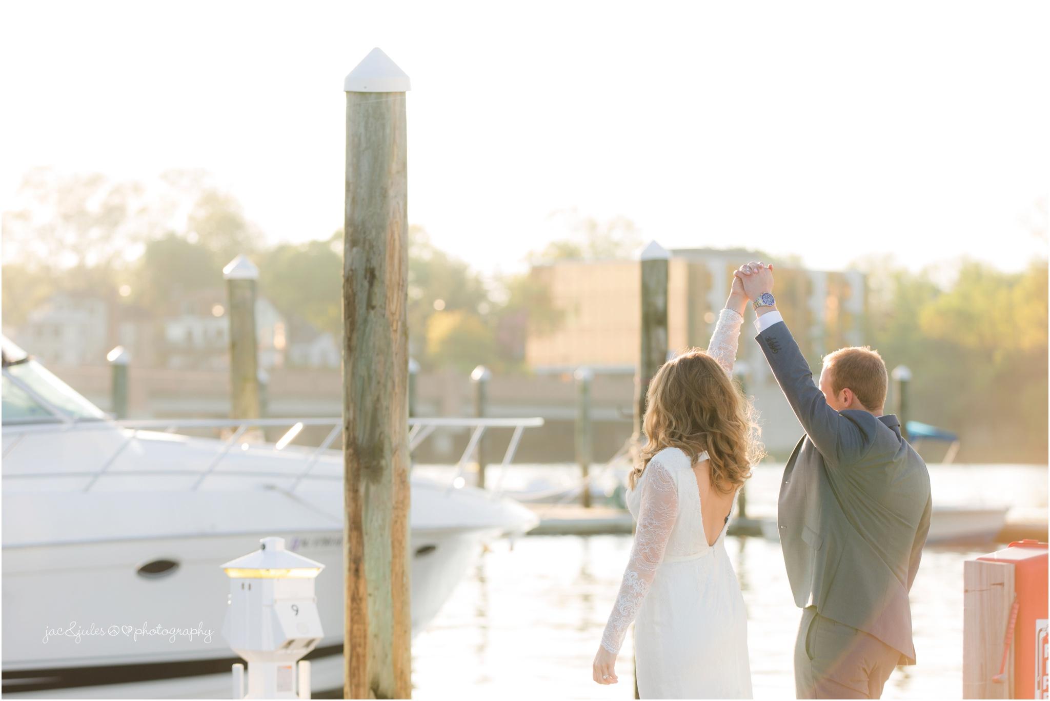 bride and groom photo at marina in redbank, nj