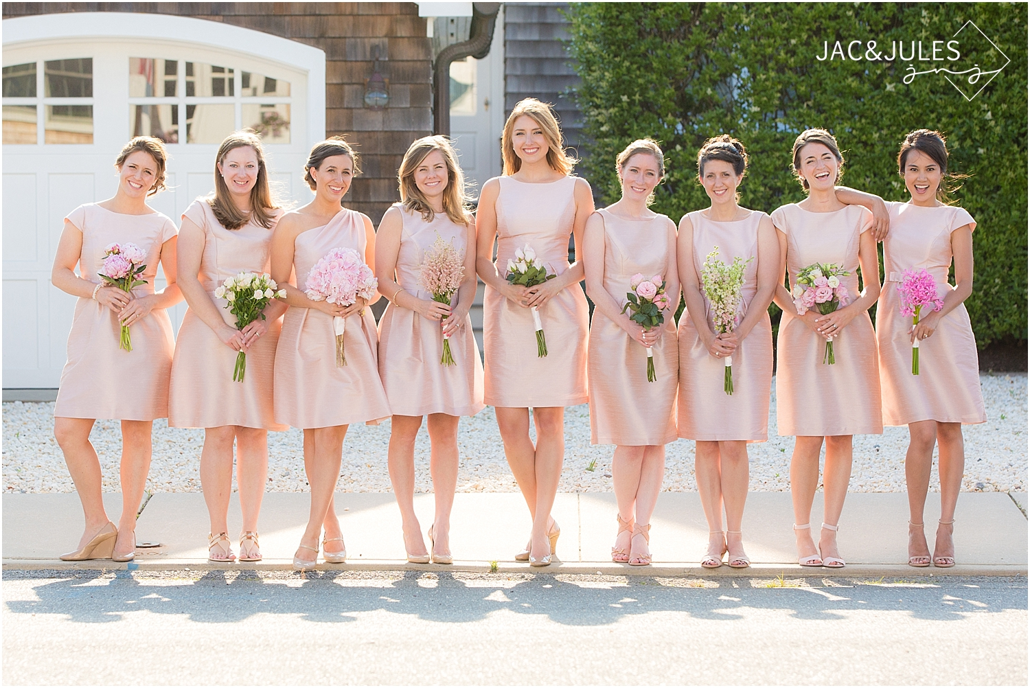 jacnjules photographs mix-matched bridesmaids bouquets, wedding trend