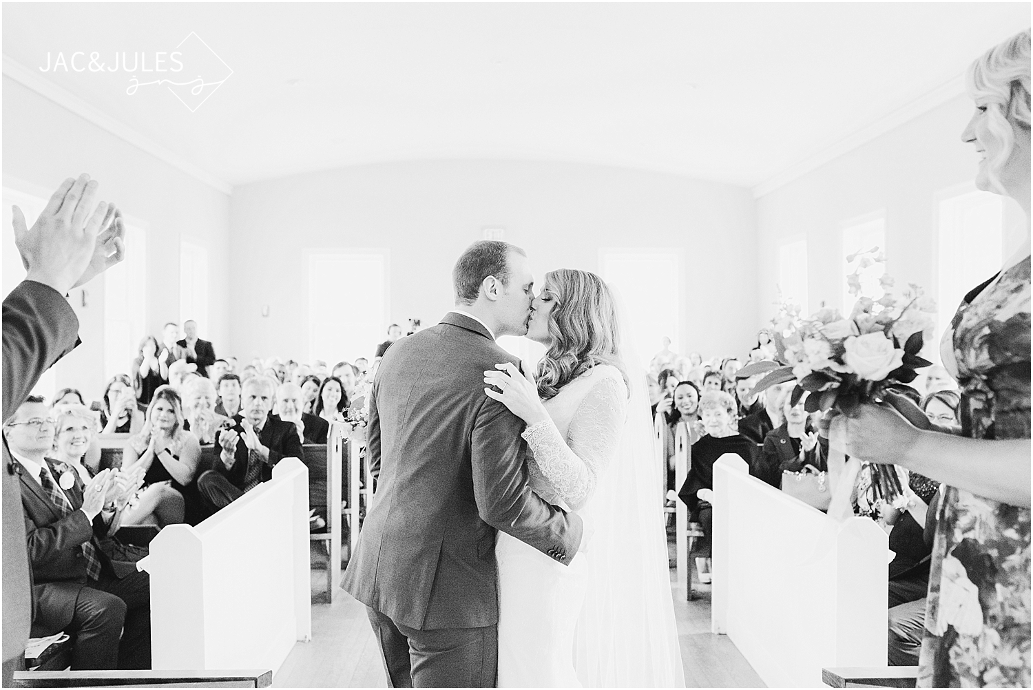 jacnjules photograph wedding ceremony at the Chapel at Allaire State Park