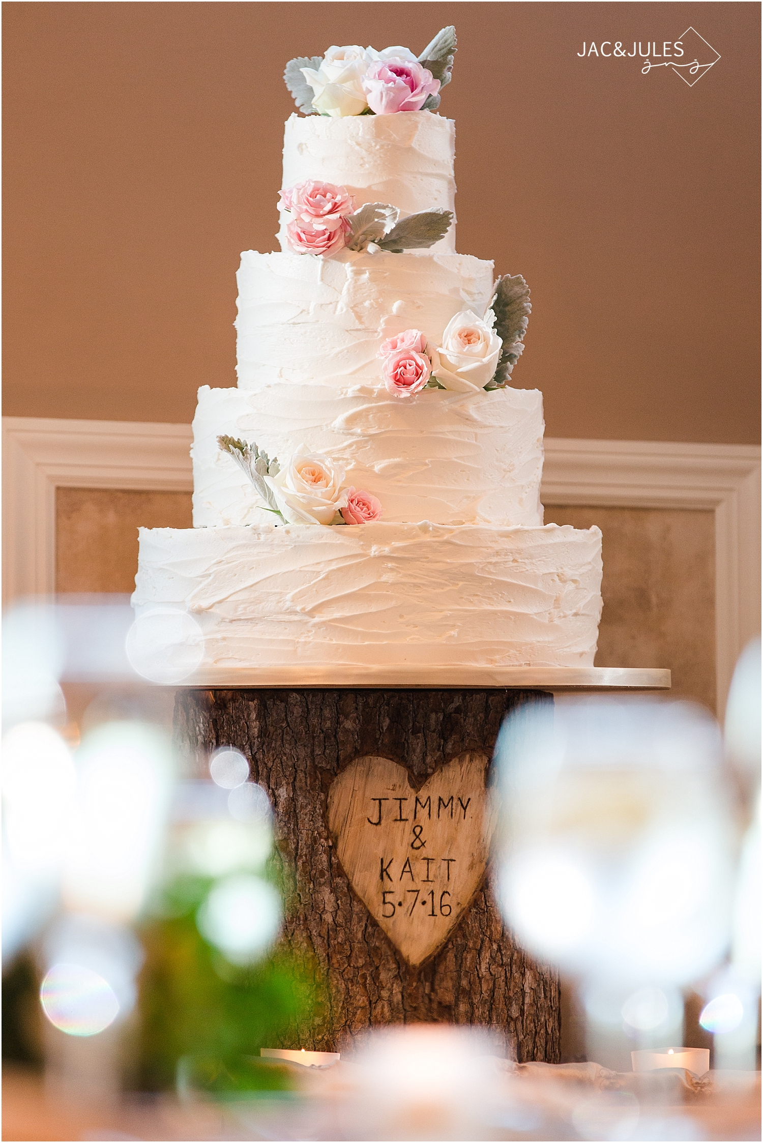 jacnjules photographs Carlo's Bakery Cake and rustic wood slice stand at Oyster Point in Red Bank NJ