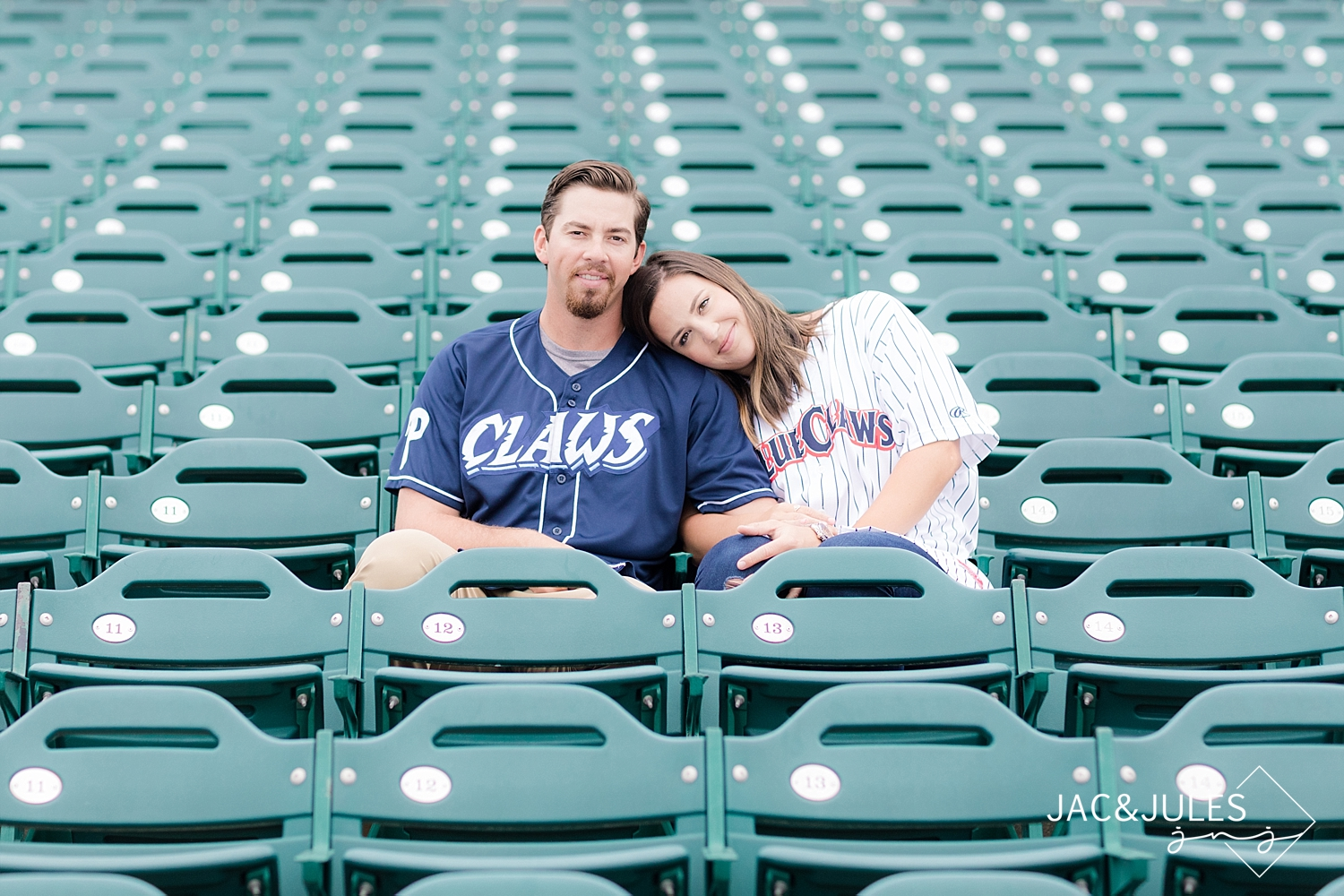 what-to-wear-engagement-photo-lakewood-blue-claws