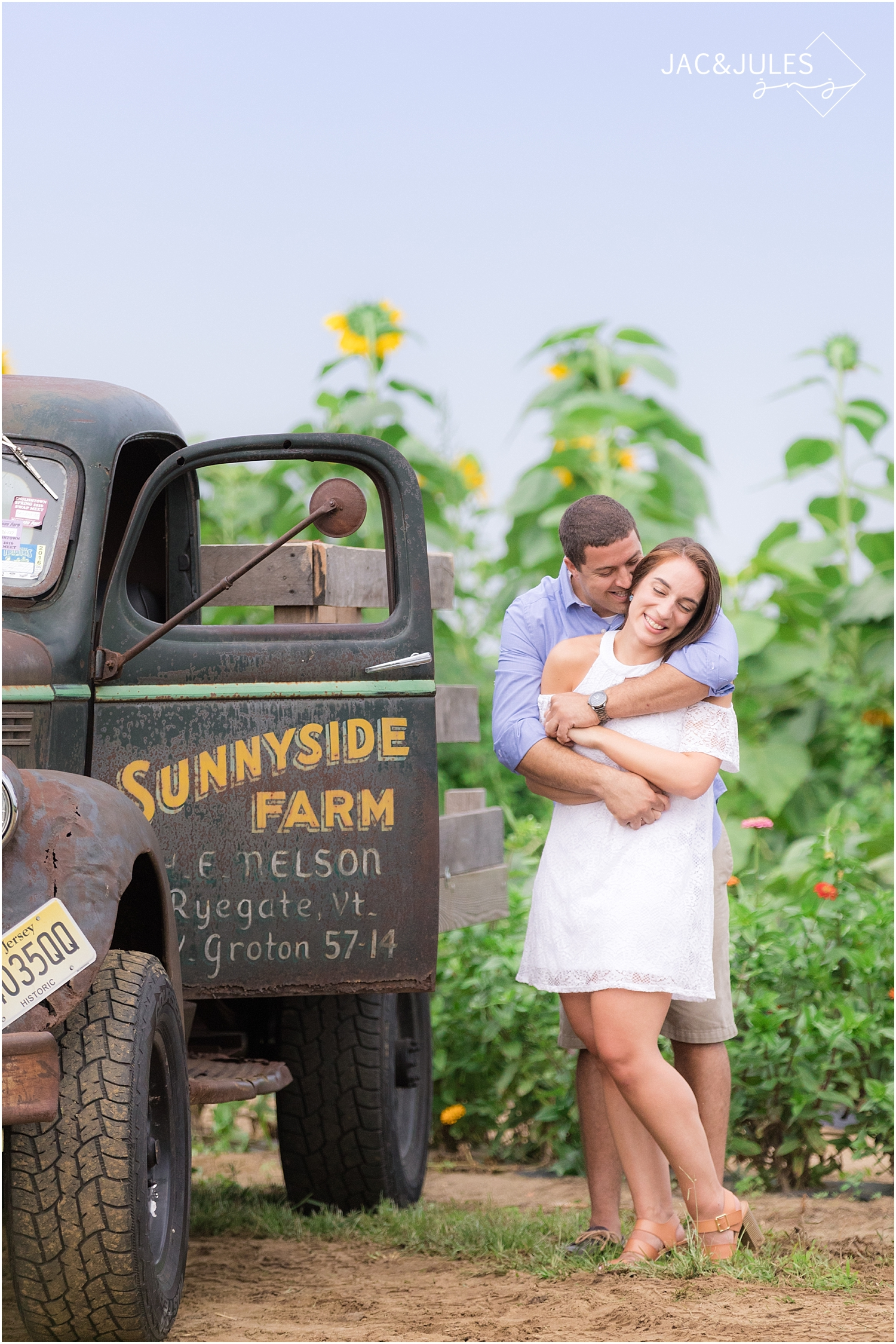 old-farm-truck-engagement-photo_0125.jpg