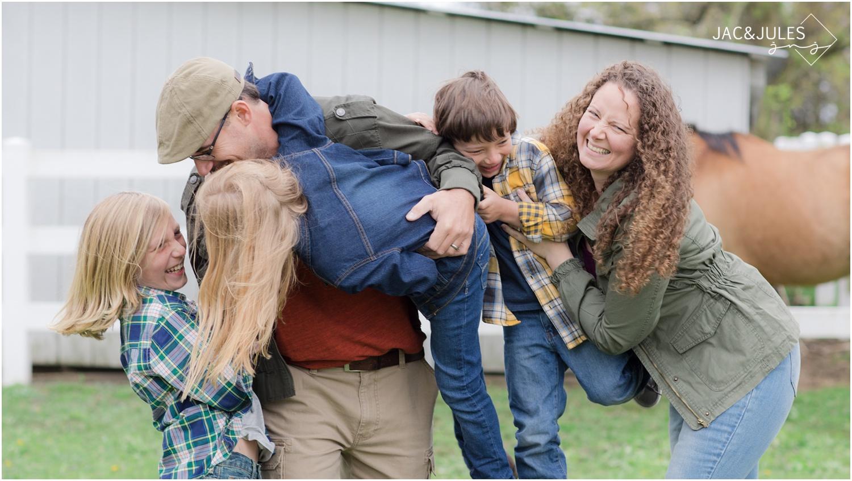 jacnjules_nj_family_mini_session_farm_photo_0003.jpg