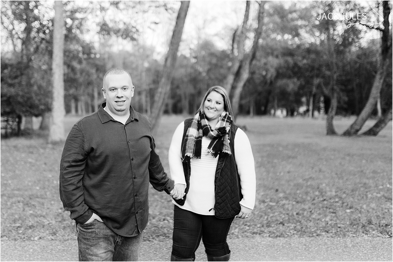 engagement photo at allaire state park