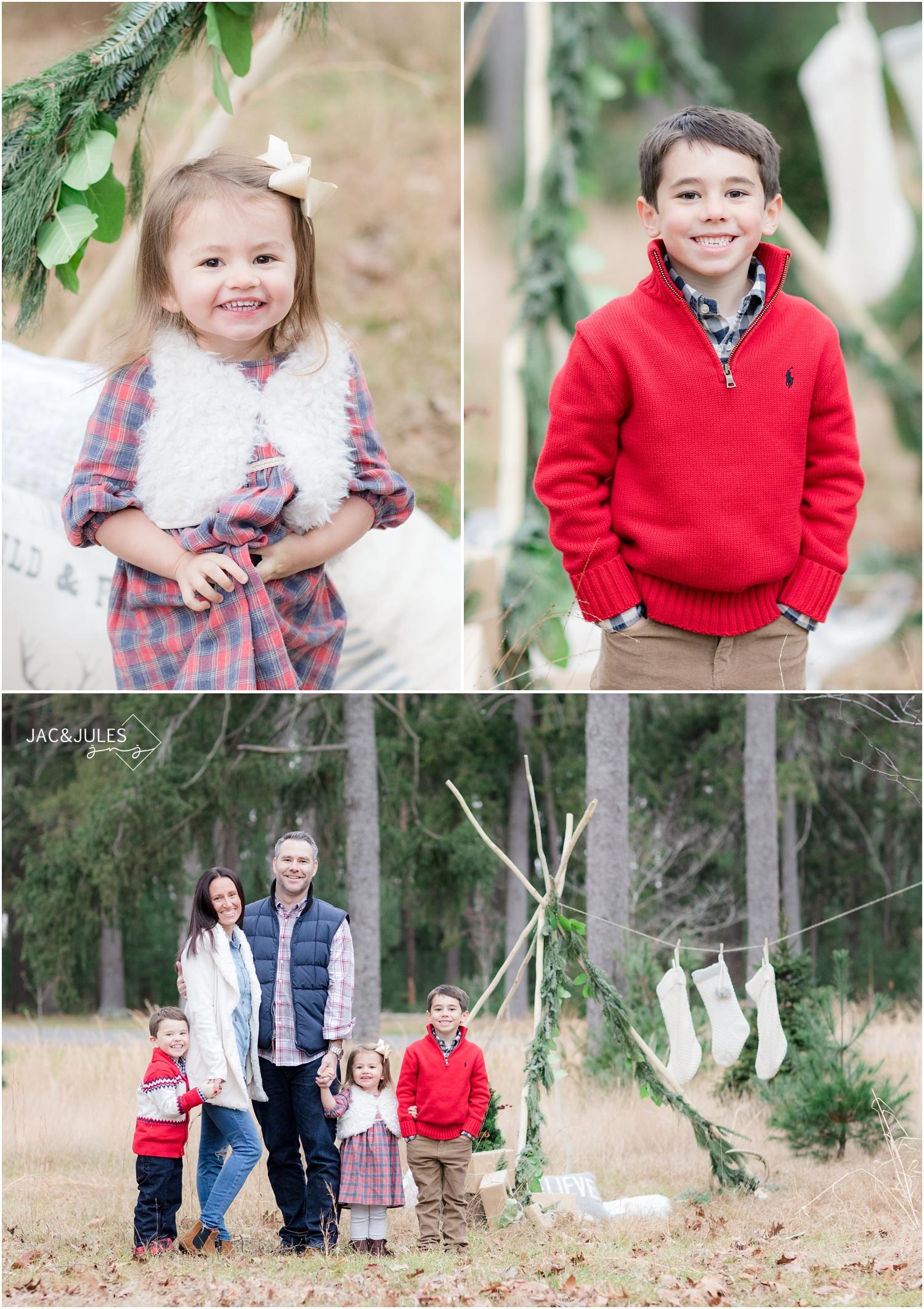 Family Christmas photos in Ocean County Park in NJ.