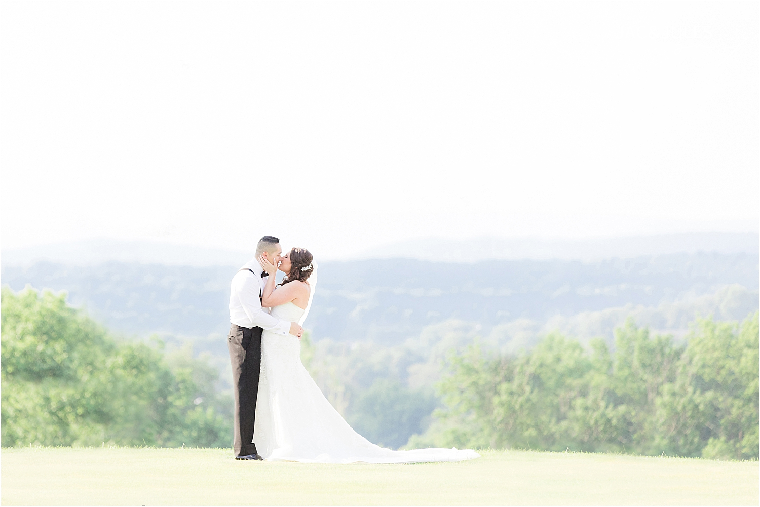 scenic mountain wedding in natural light at Skyview Golf Club