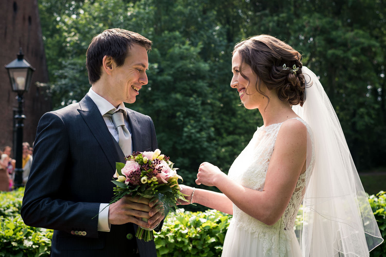 bruid en bruidegom ontmoeting bruidsfotografie
