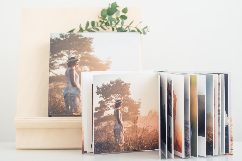 Een bruidsalbum in een luxe bewaardoos, Met fotocover op de voorkant, een stijlvol trouwalbum gemaakt door Cfoto