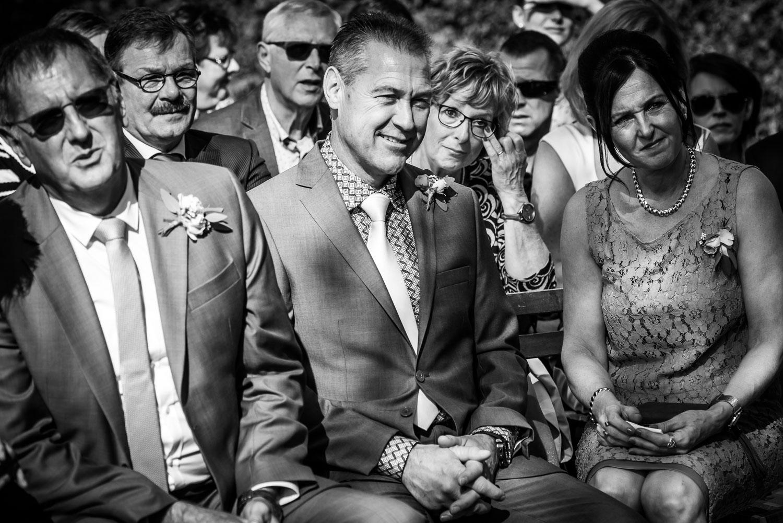 emoties bij de gasten tijdens de ceremonie op Benedenas gemaakt door Cfoto