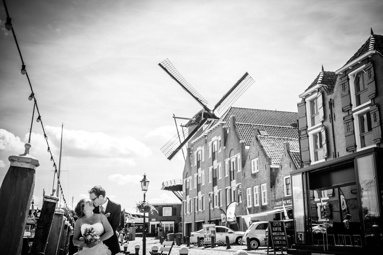 Copy of overzichtsfoto in Willemstad bruidsfotograaf Cfoto uit West Brabant, aan de haven van Willemstad