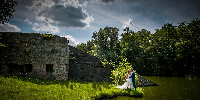Copy of bruidsfotografie op Fort Sabina, mooie sfeervolle locatie, bruidsfotograaf Cfoto