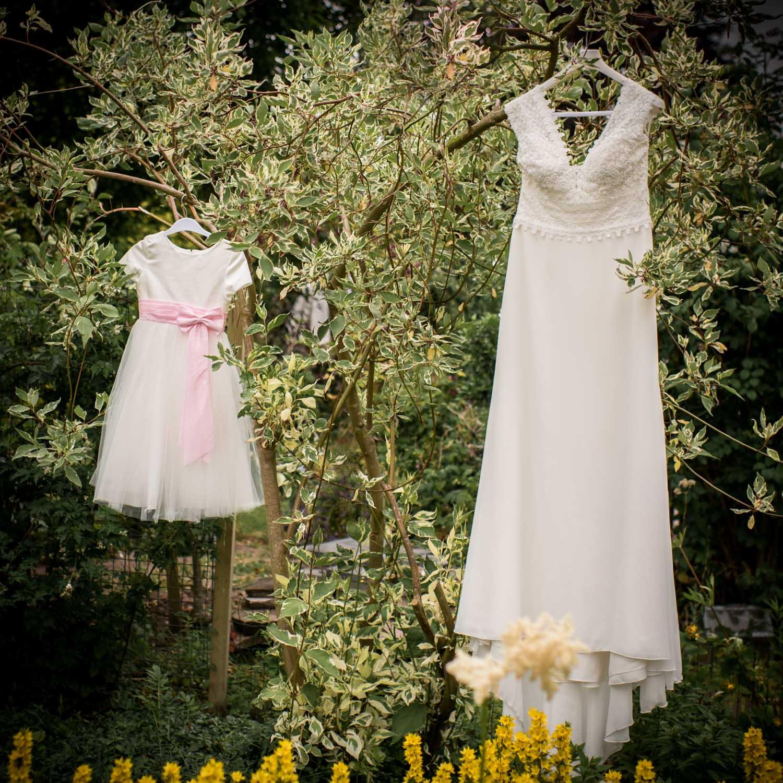 bruidsjurk in West Brabant door Caroline bruidsfotograaf bij Cfoto
