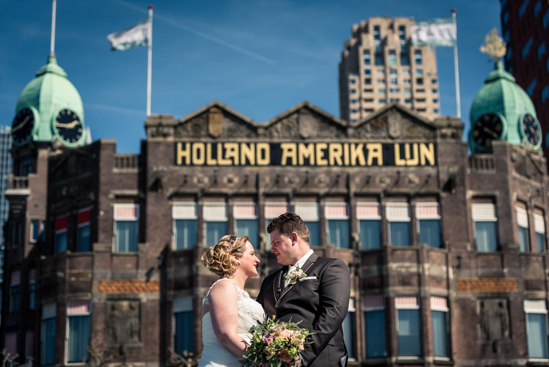 Bruidsfotografie Rotterdam, foto door Caroline Elenbaas bij Hotel New York, ceremonie tot feest in de Vertrekhal In Rotterdam, bruidsfotograaf Cfoto