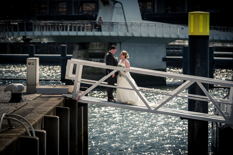 bruidsfotografie door Cfoto in de haven van Rotterdam