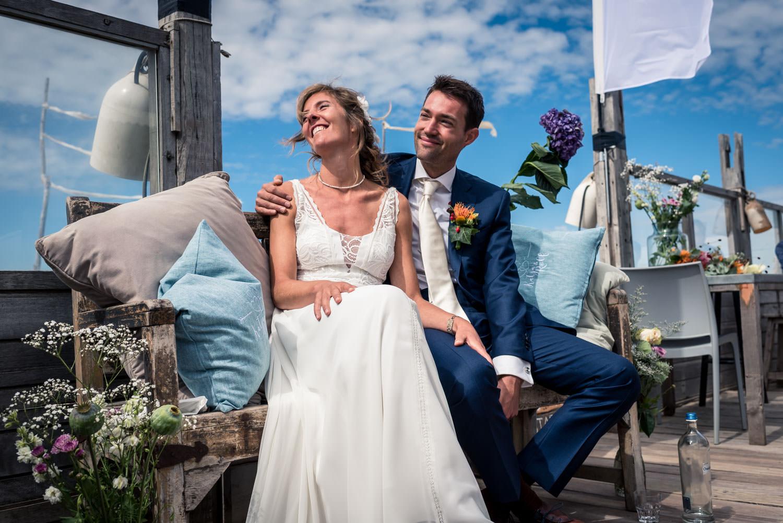 bruidsfotograaf Cfoto legde de ceremonie vast aan het strand