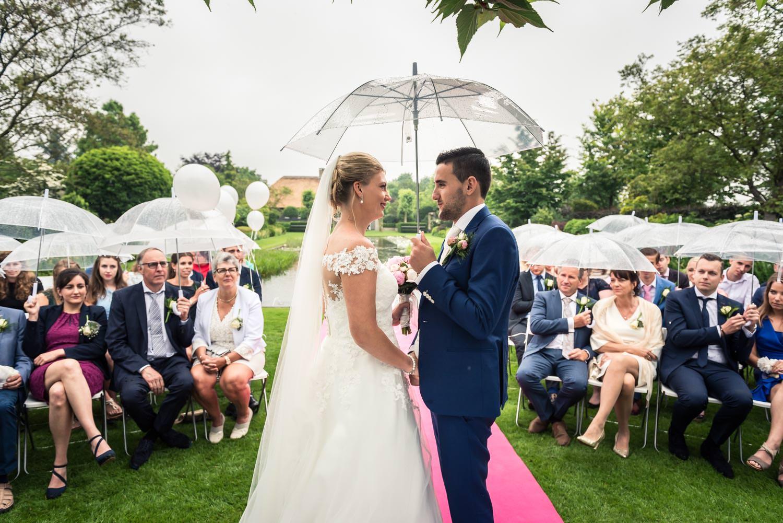 bruidsfotograaf cfoto legt jawoord vast tijdens de ceremonie in
