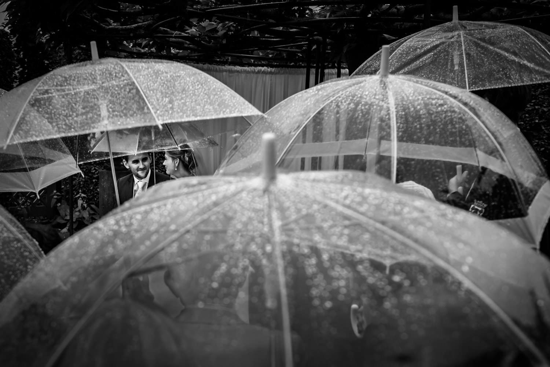 tijdens de ceremonie ging het regenen, maar het ging buiten gewo