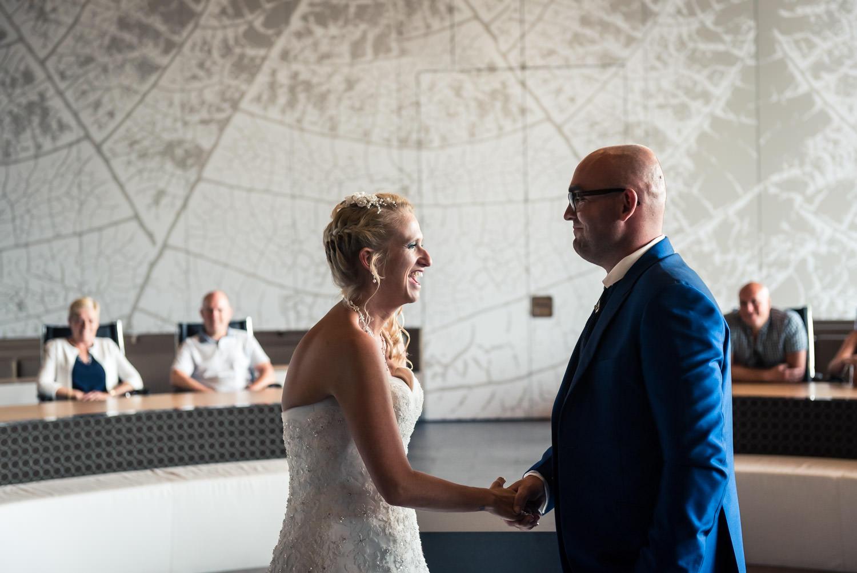 she said yes, bruidsfotografie tijdens de ceremonie
