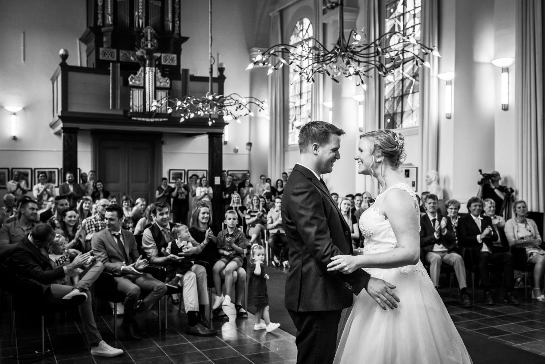 jawoord-ceremonie-bruidspaar-trouwfotografie.jpg