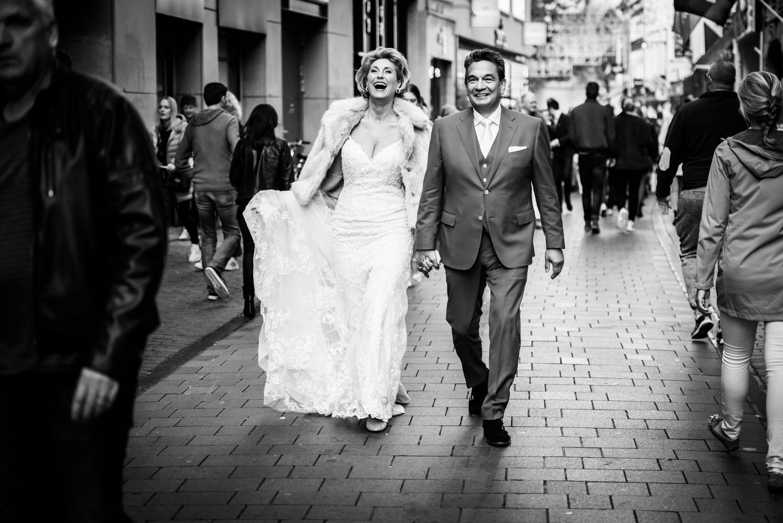 bruidspaar-binnenstad-breda-bruidsfotografie.jpg