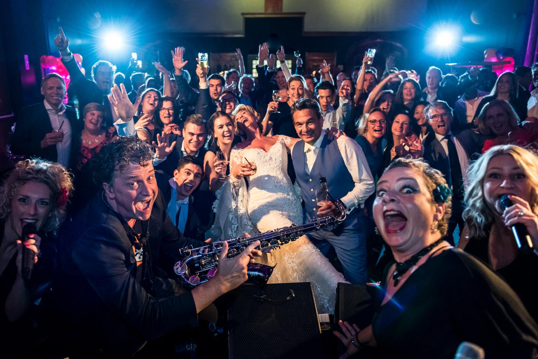 party-hotel-nassau-groepsfoto-bruidsfotografie.jpg