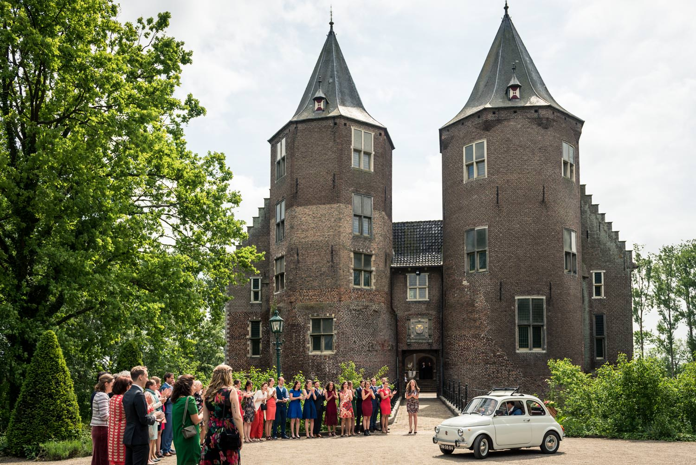 bruidsfotograaf-kasteel-dussen-aankomst.jpg