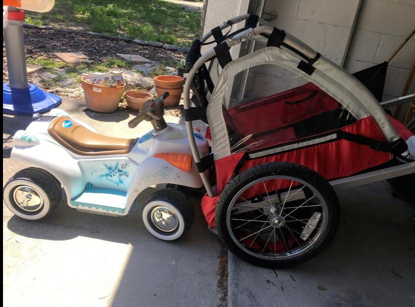 Olaf Car and Bike Trailer.png