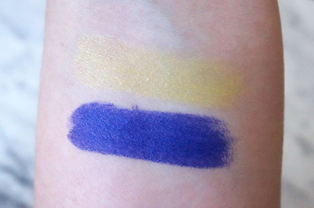 The color pay-off is amazing- using a single swipe, I swatched these eye shadows and just look! Amazed, as usual!