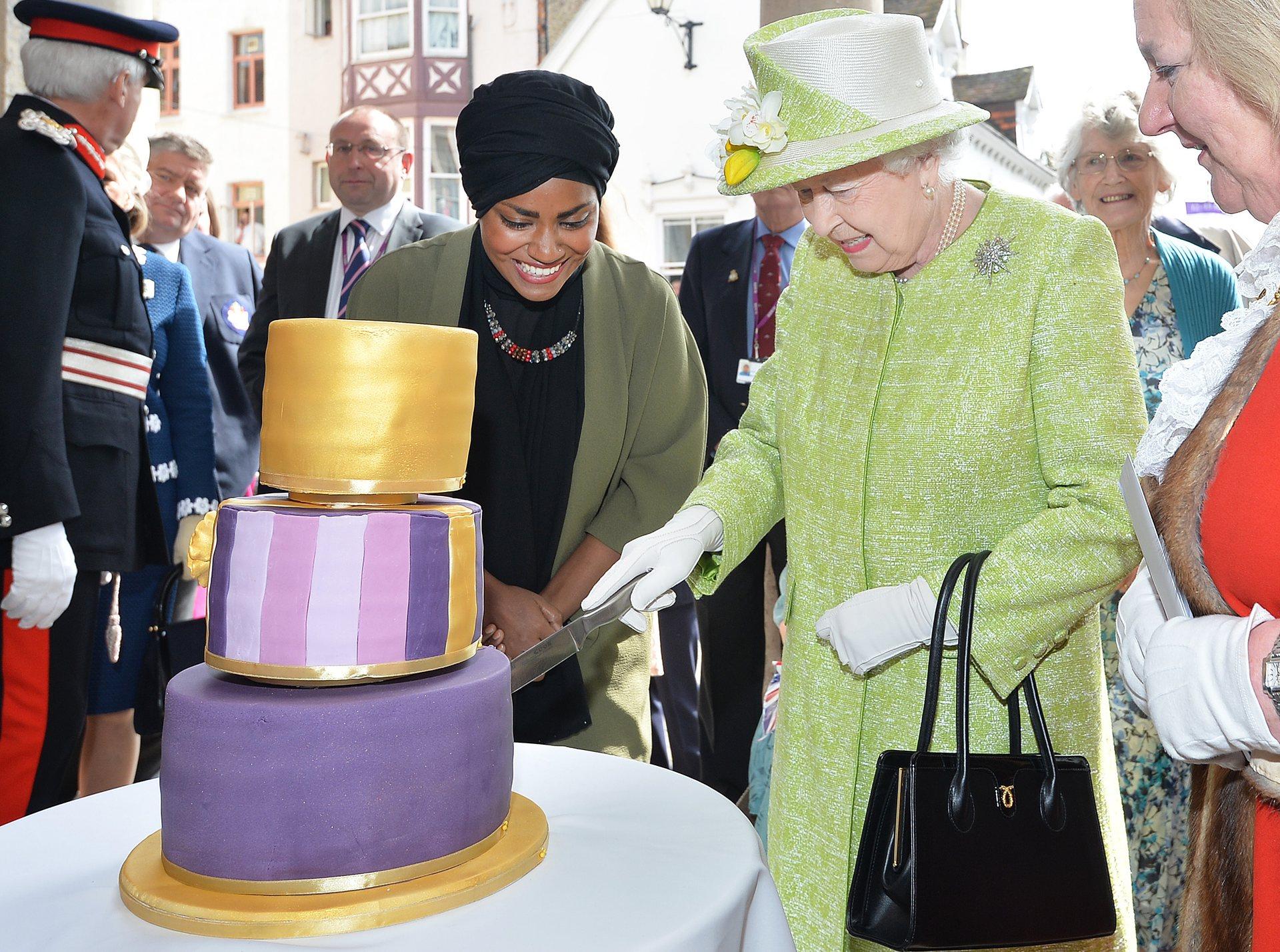 queen's 90th birthday windsor cake