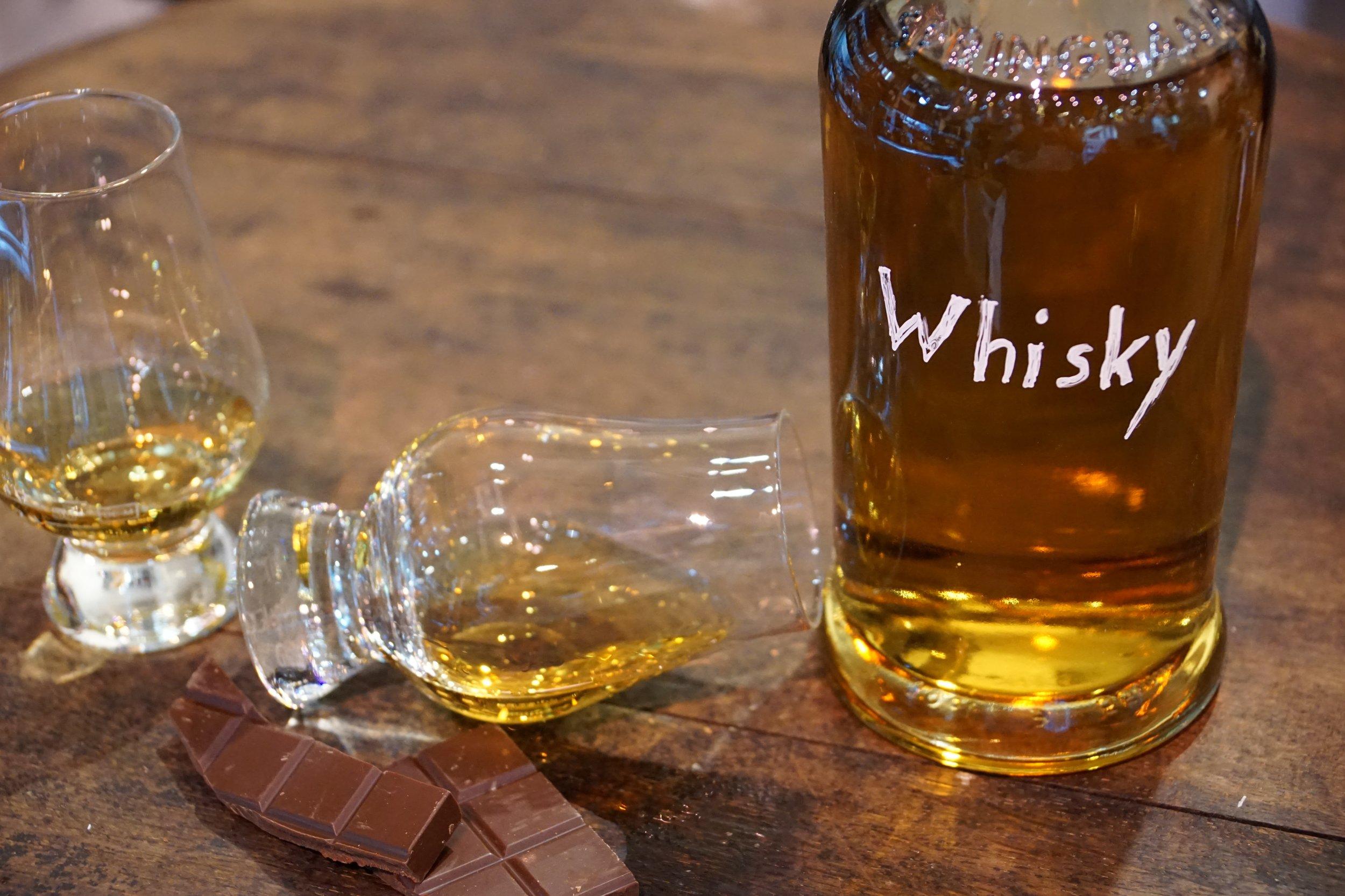 whisky-1547535.jpg