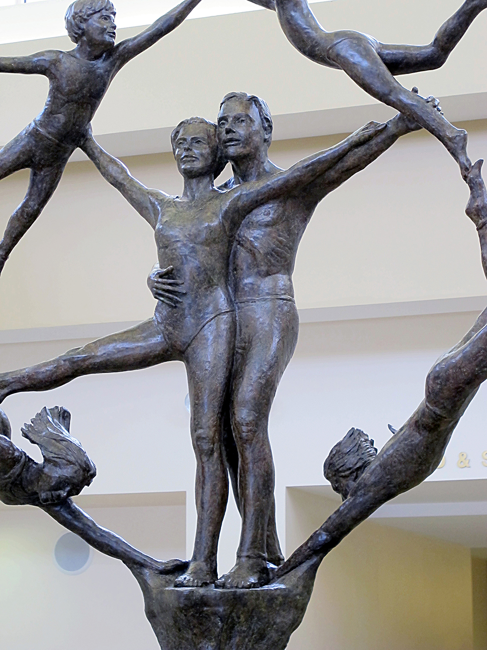 Morse-Life-Generations-Family-Group-Sculpture-02.jpg