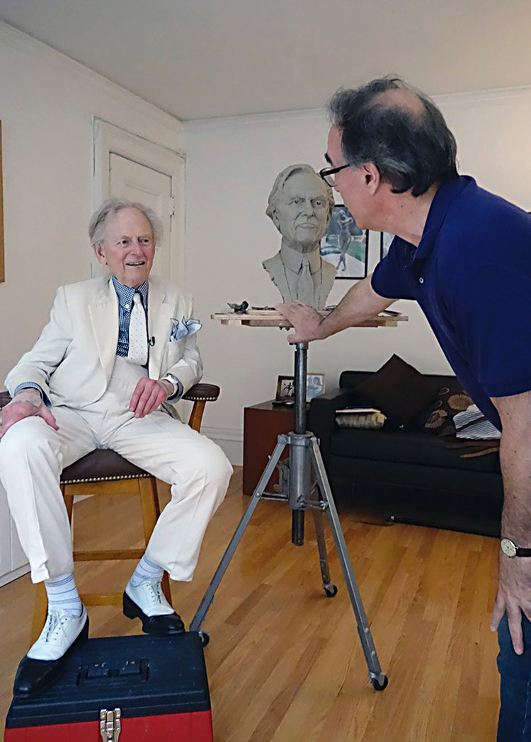 Tom-Wolfe-Portrait-Bust-03.jpg
