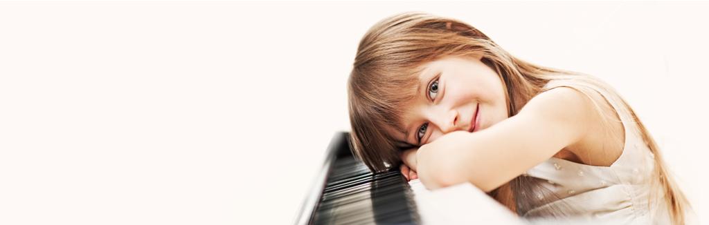 girl-piano-small.png