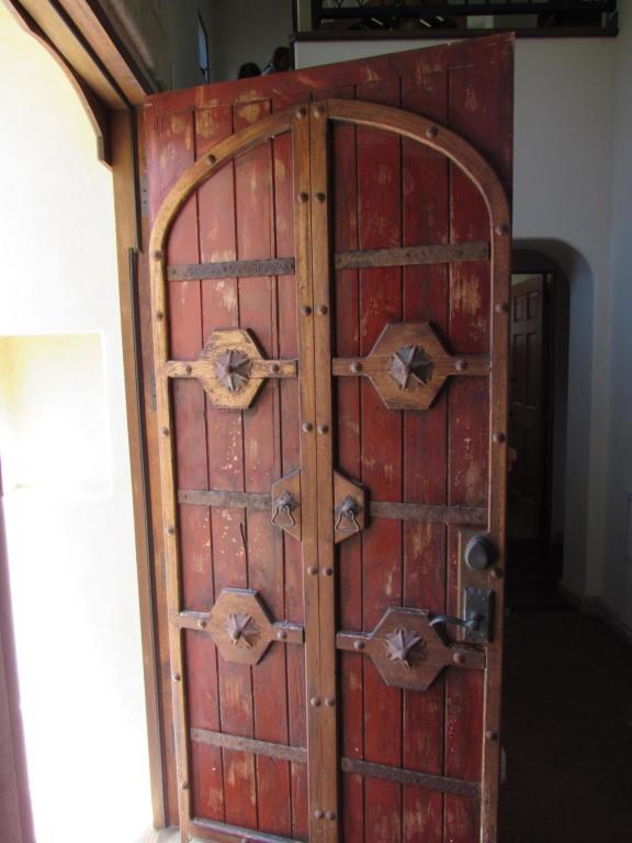 161_El_Sueno_Road_door.jpg