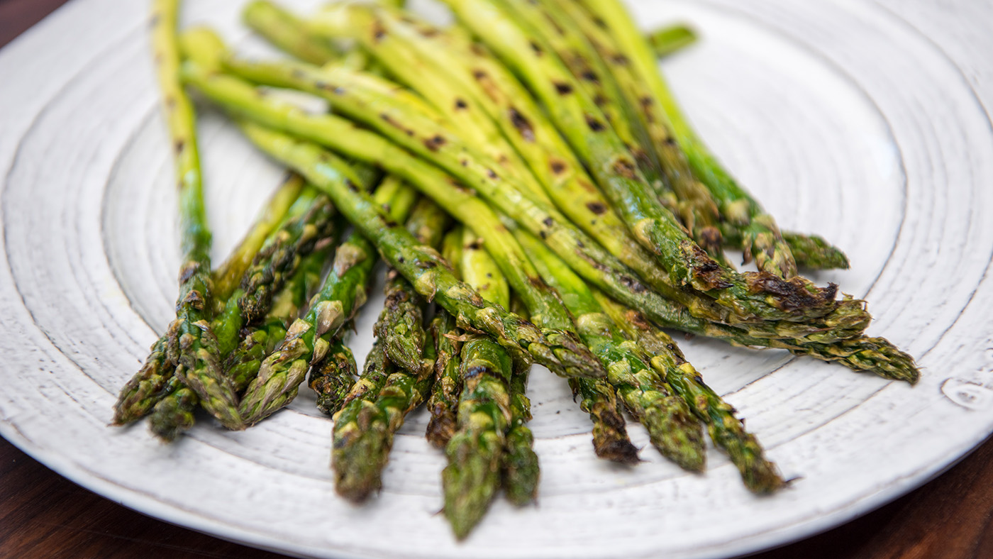 Deborah_Farnault_Food_Network_How-To-Win-Summer-Grilled-Asparagus-16x9-1101.jpg