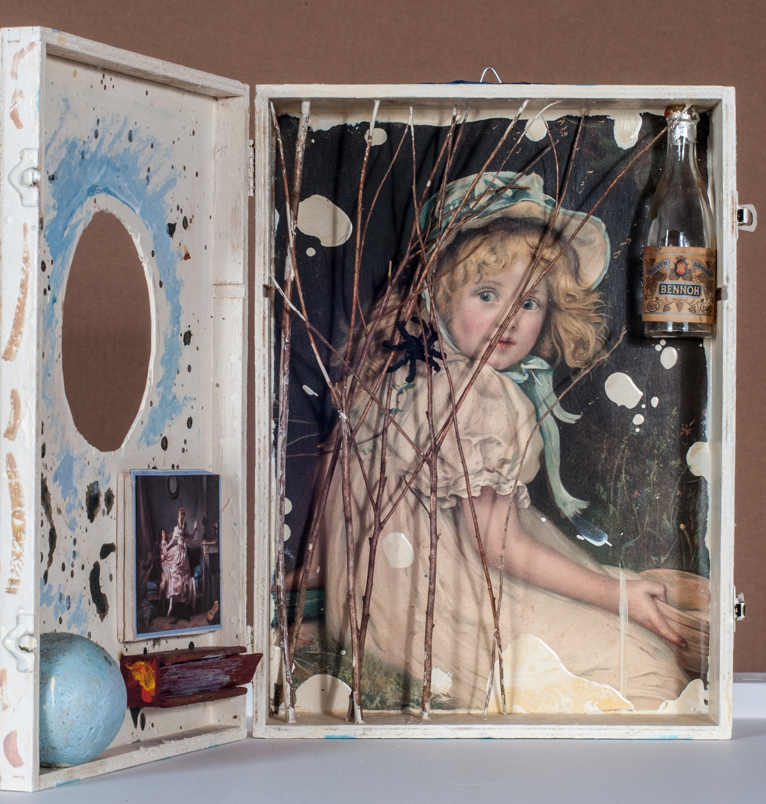 Little Miss Muffit  (front view, open).      1983, hinged box, 13.8 x 10.1 x 3.3 inches.
