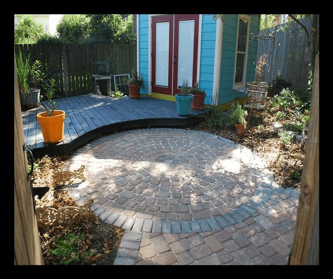 Circle paver patio