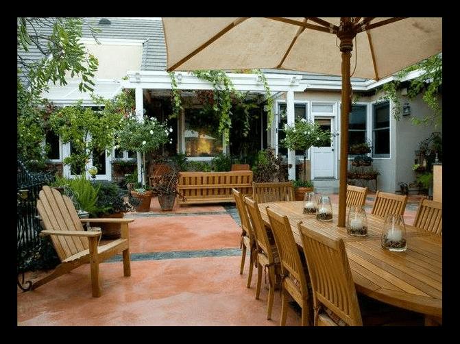 Concrete patio landscaping