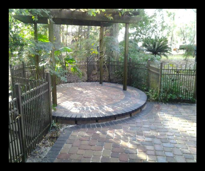 Tallahassee pavers and patios and decks and landscaping.png