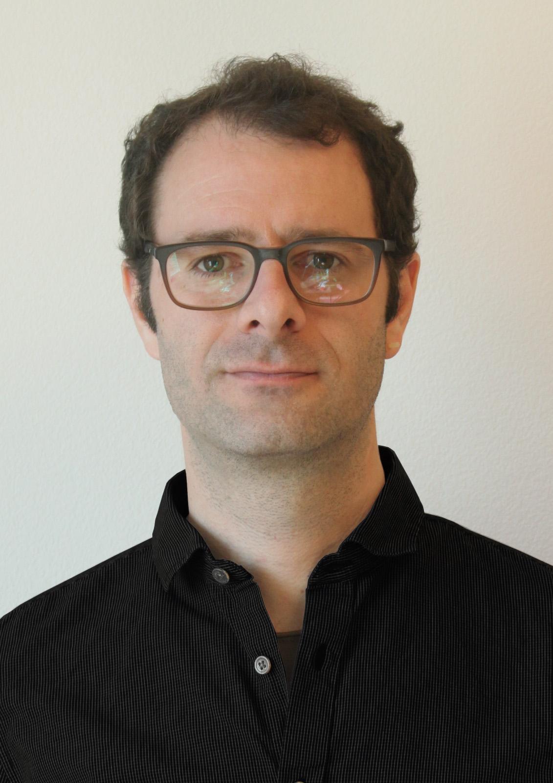 Michael Niederberger   m.niederberger@entux.ch   Industrial Design  HMI Gestaltung  Produktentwicklung  Modellbau und Prototypenbau