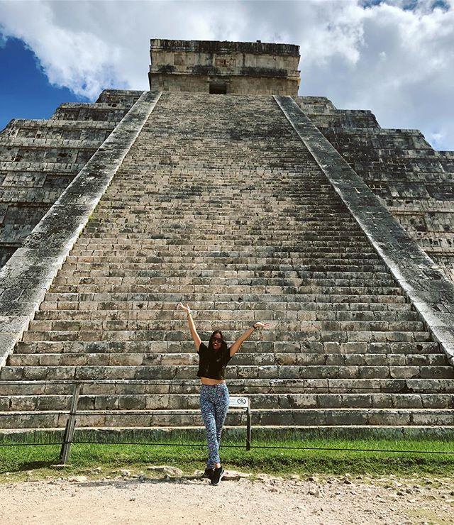 Chichén Itzá 🐆 🇲🇽 2018 // @lunapoumian . . . #chichenitza #lunadetour #viaje #travel #woman #girl #instatravel #trip