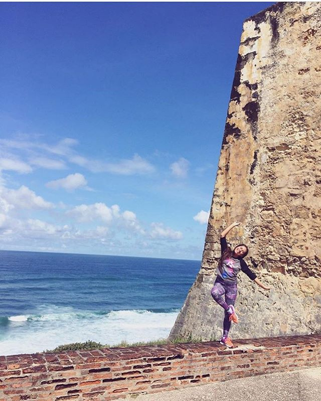 Un throwback del 2016 #PuertoRico 🇵🇷 • Este año casi no pude tomar fotos :( . #travel #puertoricogram #lunadetour #dancingtheworld #bellydancer #traveling #mytravelstory #throwback #remember