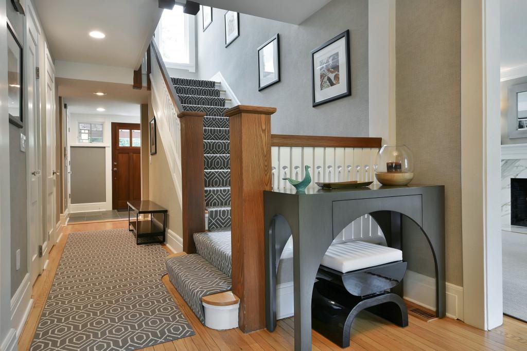 Foyer 1 .jpg